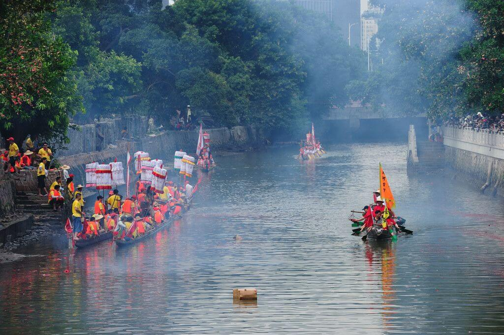 Chinese Water Sports: Dragon Boating