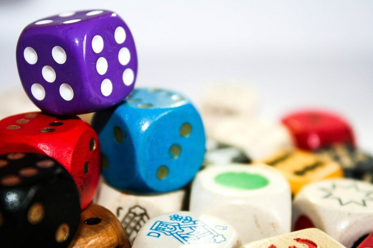 Popular Dice Games in China