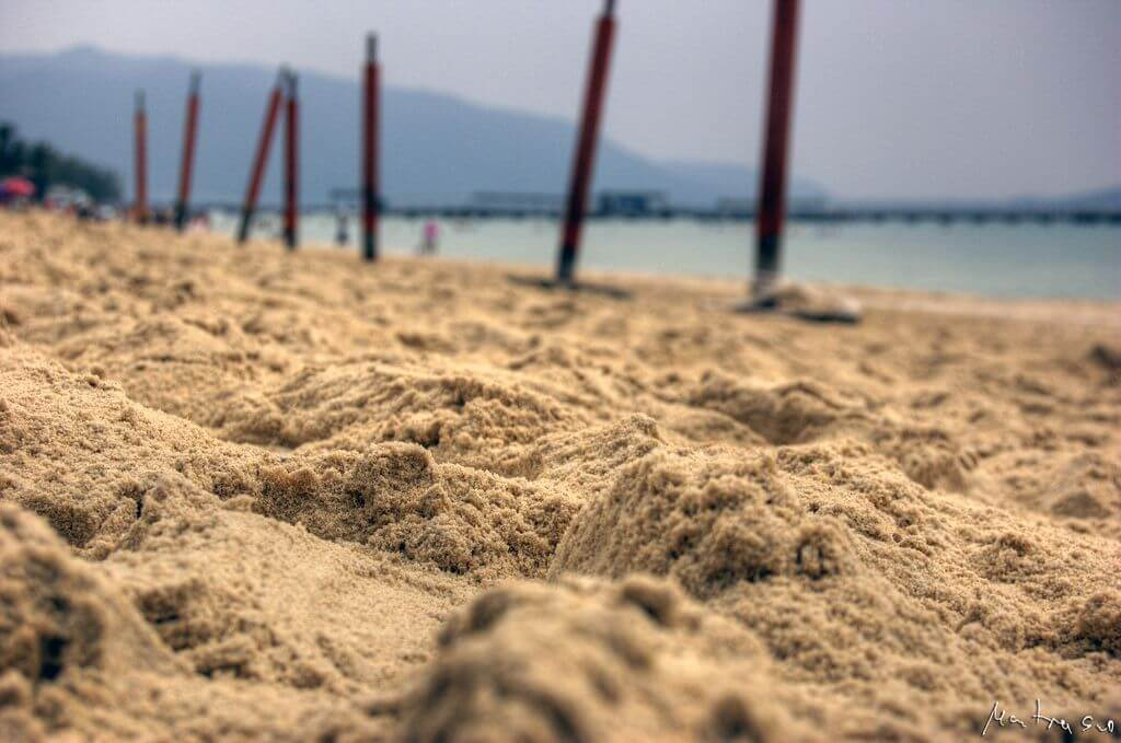 Where are the best beaches in China for foreigners